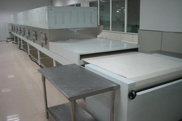 微波真空干燥设备干燥的独特性